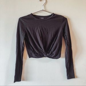 Basic Black Knotted Long Sleeve Crop